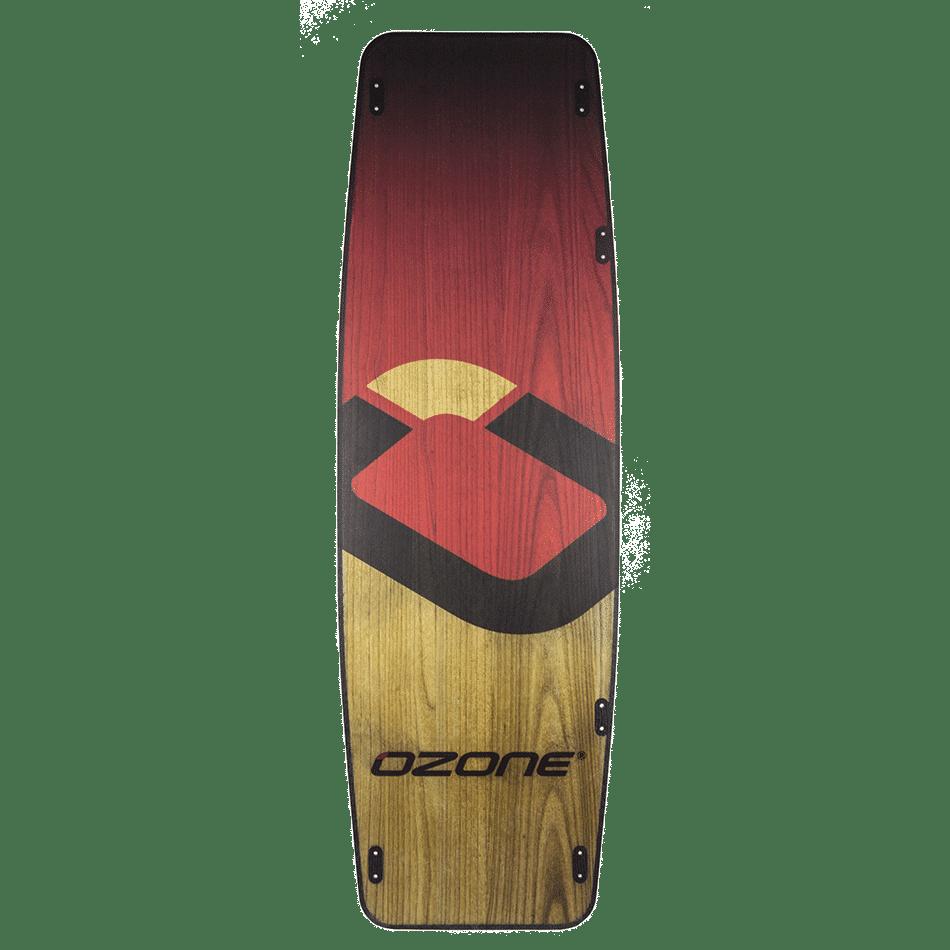 twin-tips Plank V1 (bottom) couleur rouge et bois d'Ozone Kites France /JKS